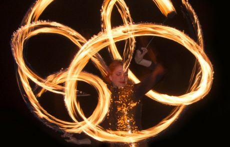 Fire-show-Vuurshow-Glowballz