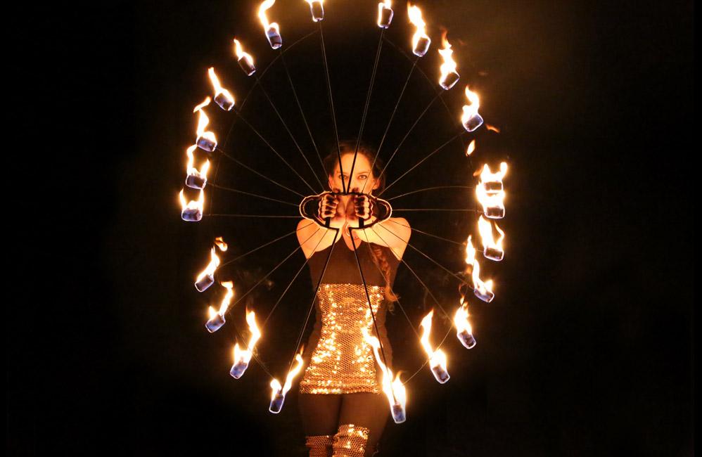 Glowballz-Fire-Fans
