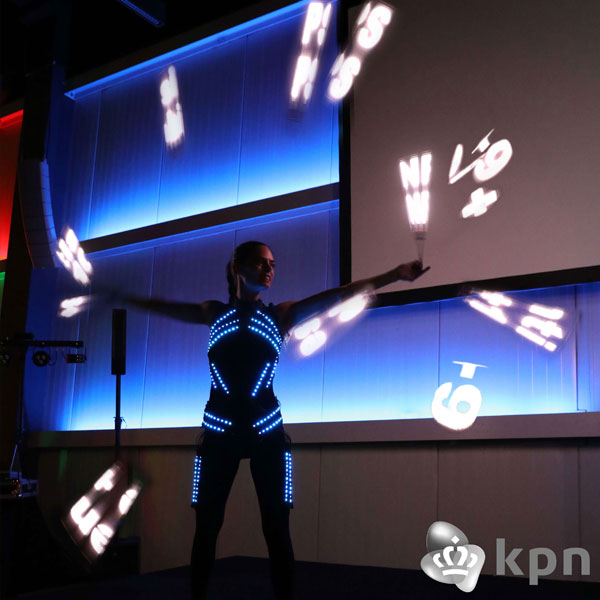 1-1-VisualPoiShow-KPN-Glowballz-WEB2018